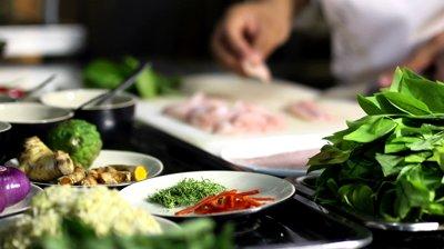 restaurant-kitchen-chefs-cplsfduf